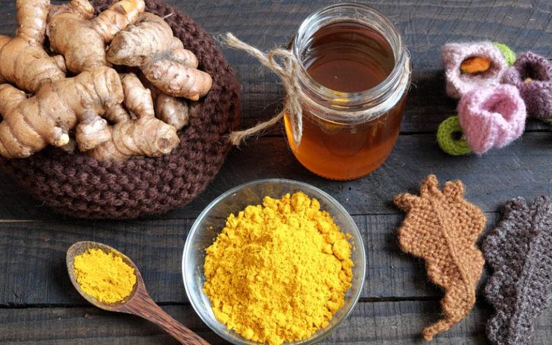 Tinh bột nghệ mật ong lợi ích